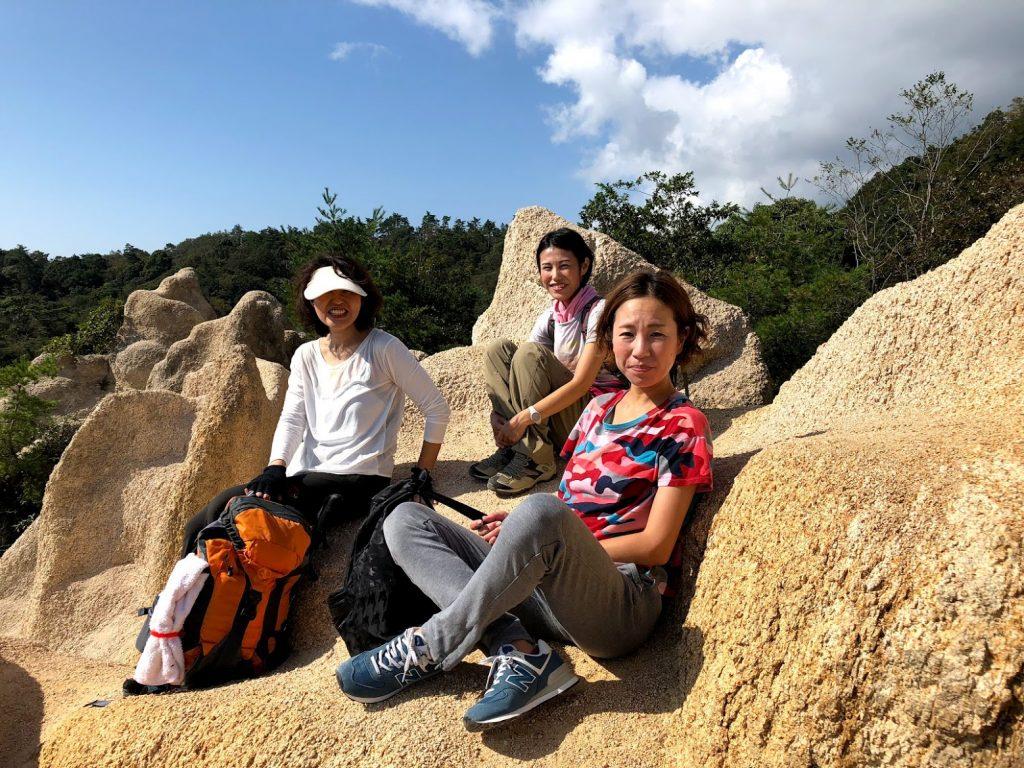 キッドRYT女子チームと六甲登山して山ランチしてたらイノシシにやられた〜😆